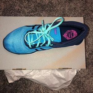 ASICS FuzeX Tennis Shoes